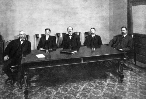 M. H. Sherman (center) and the Board of DWP/Courtesy Los Angeles Public Library, Security Pacific Collection