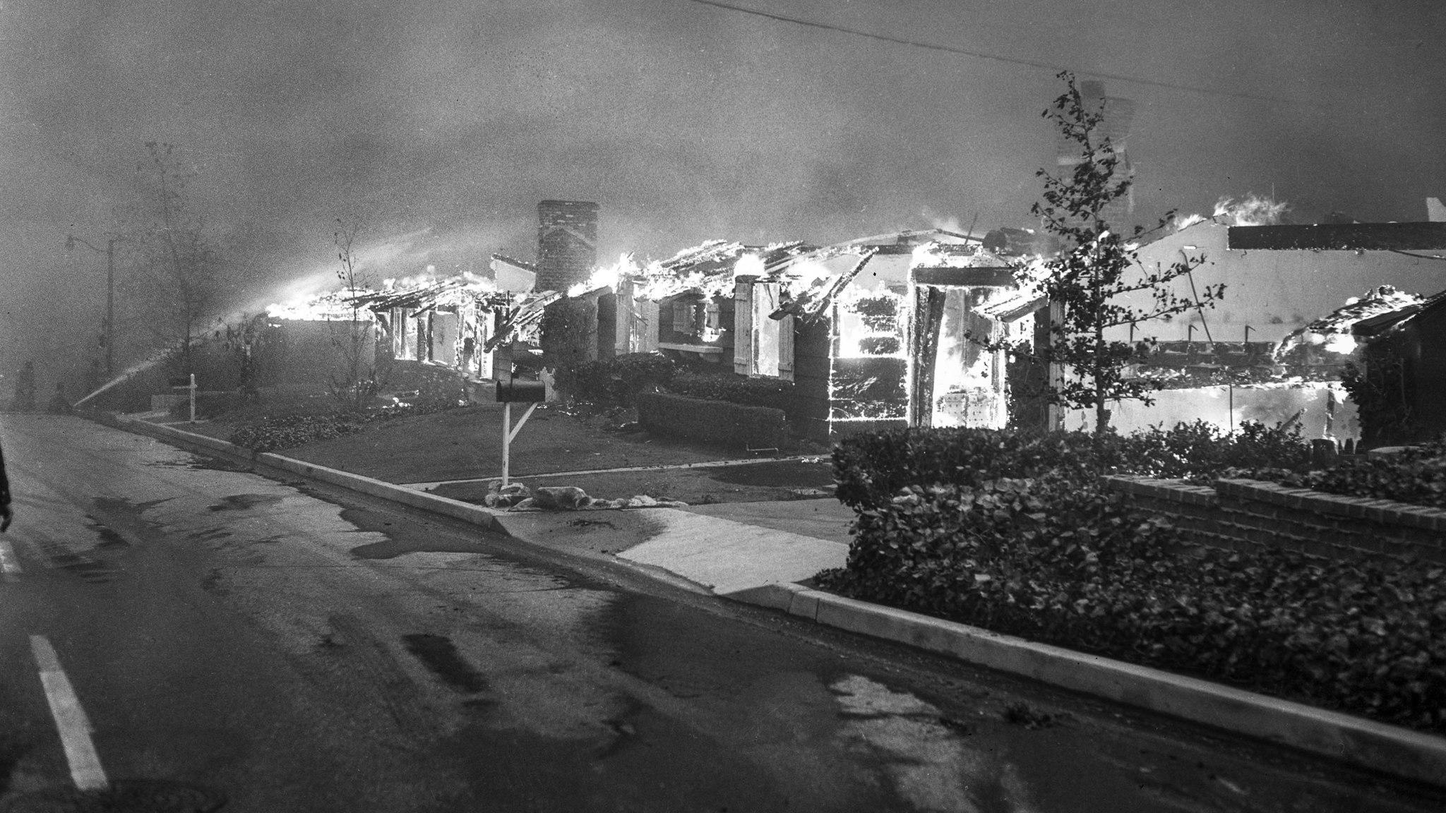 la-me-fw-archives-the-1961-bel-air-brush-fire-20170419